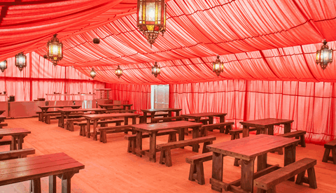 Chessington Glamping - Explorer Outpost Dining