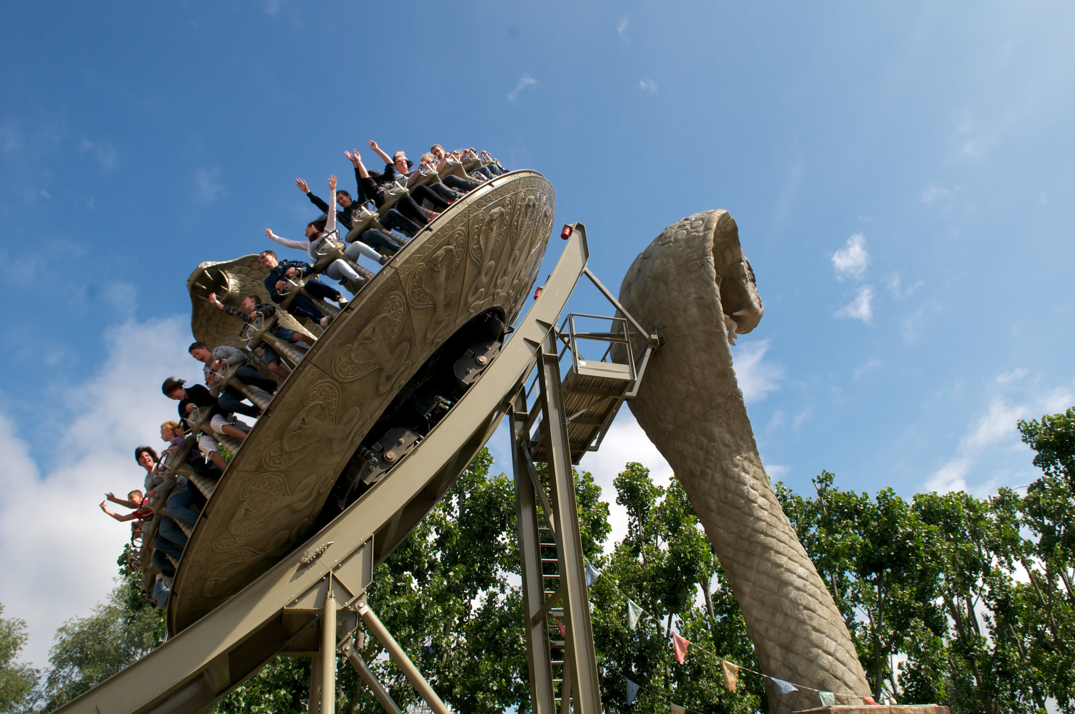 KOBRA At Chessington World Of Adventures Resort (2)